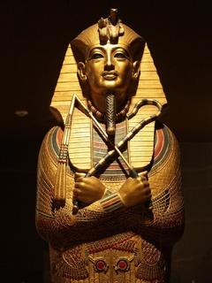 News_mummy_King Tut_sarcophagus