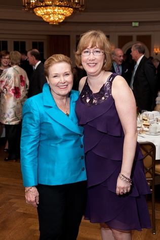 186 Sharon Lietzow, left, and Linda Carmichael at the River Oaks Chamber Orchestra Gala September 2014