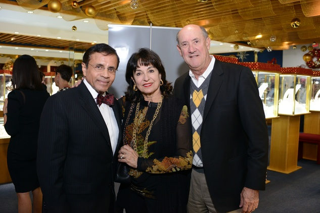 10 58 Dror Zadok, left, with Mady and Ken Mady Kadis at the Zadok Jewelers Holiday Party December 2014