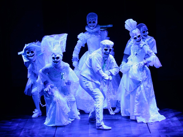 family holiday shows, November 2012, The Company in the Alley Theatre's A Christmas Carol – A Ghost Story of Christmas