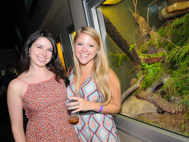 9989 Jamie Crawford, left, and Lindsay Wilkerson at the Scales and Cocktails Houston Zoo Flock event