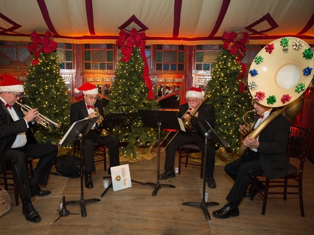 News, Shelby, Nau Party, Spiegeltent, Dec. 2015, brass quintent