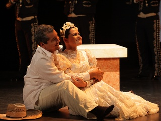 Houston Grand Opera presents Cruzar de Cara de la Luna