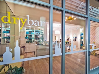 DryBar Houston hair salon August 2013 entrance