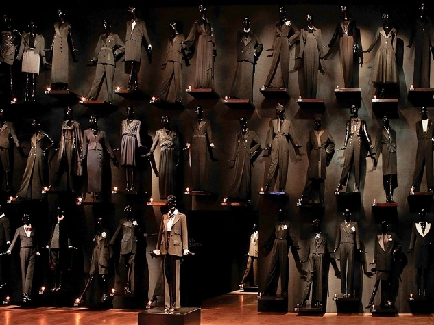 News_Donae Cangelosi Chramosta_Yves Saint Laurent_Denver Art Museum_March 2012_the smoking jacket