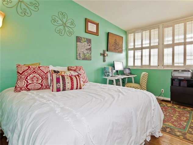 Dallas home, home for sale, 2005 Saint Francis Avenue, bedroom