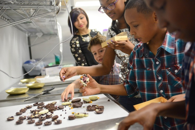 7a Children selecting cookies at the Cacao & Cardamom party November 2014