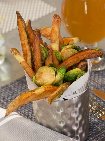 Food_and_Drink_Goodall's_Fries_Cindy_Sept_2013