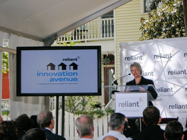 News_Reliant Energy_Innovation Avenue_Mayor Annise Parker