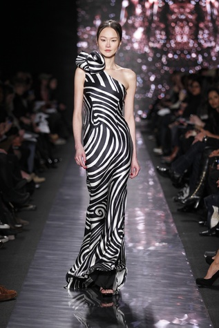 News_Naeem Khan_fall 2012 collection_Feb 2012