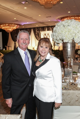 Thomas and Cyndy Roberts at the Women's Chamber of Commerce Hall of Fame Gala December 2014