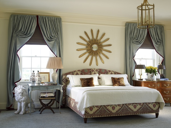 Interior designer insights antique furniture and modern - Rideau chambre a coucher ...