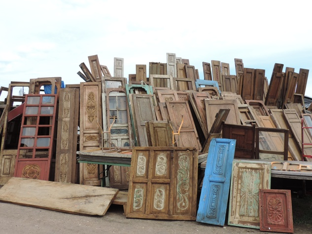 Tarra Gaines Antique Week beginner's guide March 2015 Pile of doors