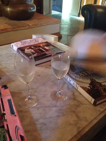 Jane Howze Italy trip Tuscany September 2014 Welcoming glass of prosecco at Castello di Casole
