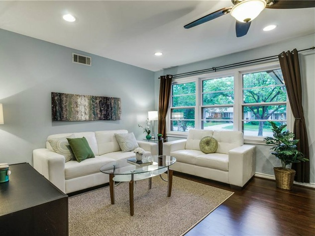 Living room at 11207 Sinclair Ave in Dallas