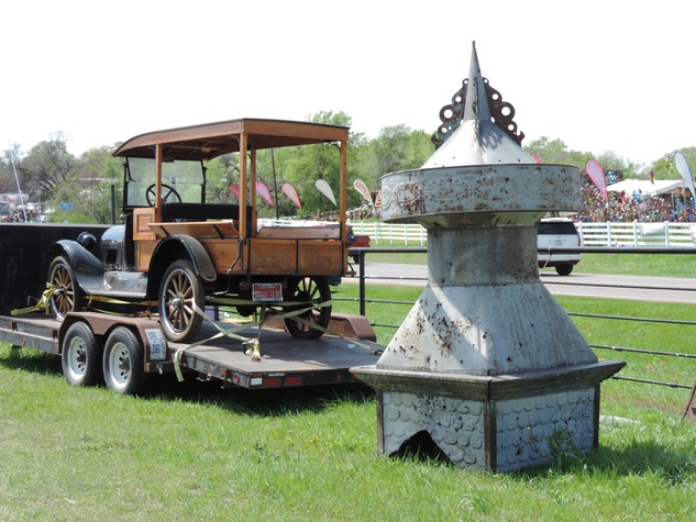 Tarra Gaines Antique Week beginner's guide March 2015 car
