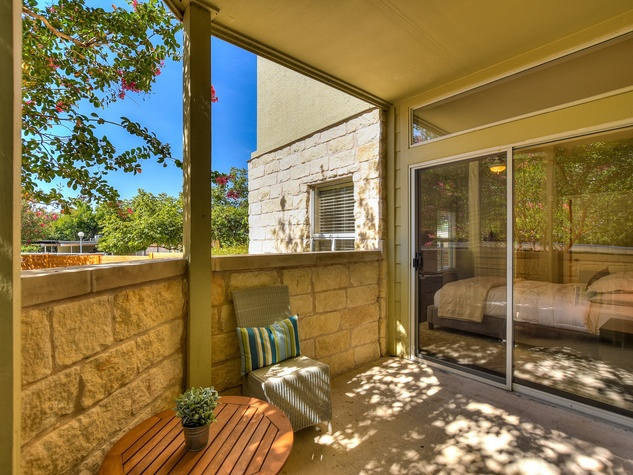 2209 Hancock Austin condo for sale patio