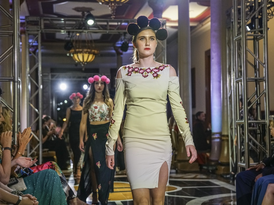 Fashion X Austin Moda X Mexico Fashion Show Amor & Rosas