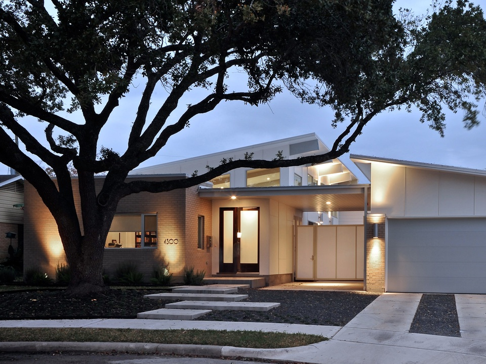 Home tour highlights the present and past of houston for Modern house tour