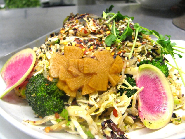 Austin Photo Set: News_Joelle_Beets Cafe_raw foods_jan 2012_asian noodle