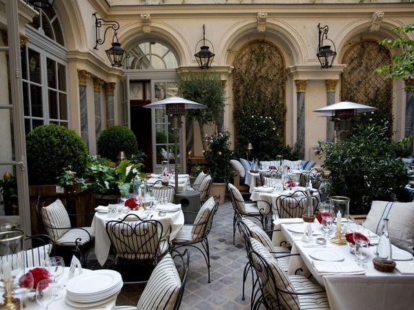 Célèbre Ralph Lauren's chic restaurant delivers a taste of America on  HJ56