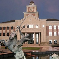 Sugar Land, city hall, statue