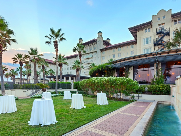 Hotel Galvez Oleander Garden wedding reception