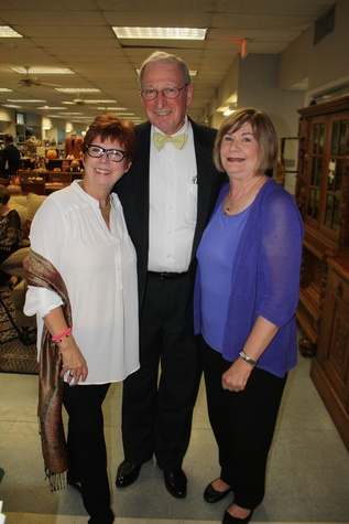 News, Shelby, Blue Bird Circle endowed chair, October 2014, Maggie Austin, Dr. Robert Zeller, Claire Manning