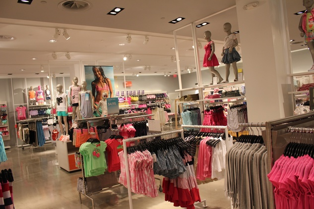H&M Willowbrook Opening, Interior 6, June 2012