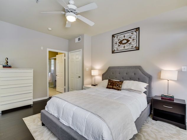 2209 Hancock Austin condo for sale master bedroom