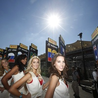 Austin Photo: News_Benoit_formula 1_weekend_nov 2012_pit girls
