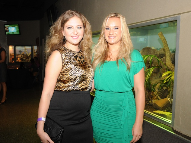 9967 Melissa Croft, left, and Lindsey Kern at the Scales and Cocktails Houston Zoo Flock event