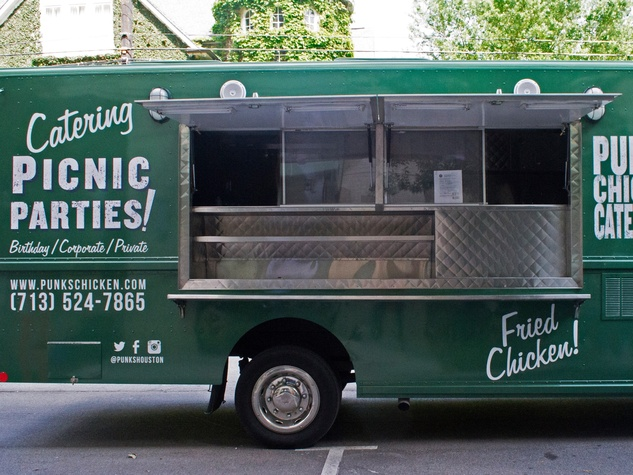 Punk 39 s fried chicken rolls out in food truck form for for Design your own food truck online