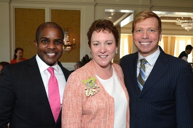 137 Alton LaDay, from left, Julie Farr and Jonathon Glus at the Houston Center for Contemporary Craft spring luncheon May 2014