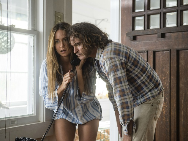Katherine Waterston and Joaquin Phoenix in Inherent Vice