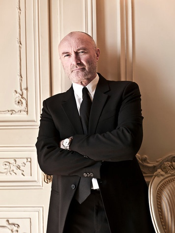 News_Phil Collins_pose