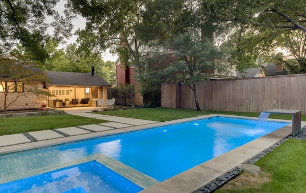 Pool at 6255 Park Lane in Dallas