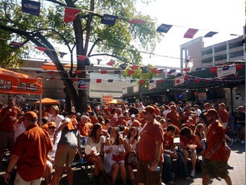Austin Photo: News_Kevin_Texas vs New Mexico_September 2012_tailgating