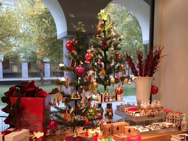 Blanton Museum Gift Shop holiday