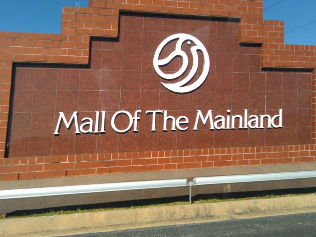 Mall of the Mainland, sign