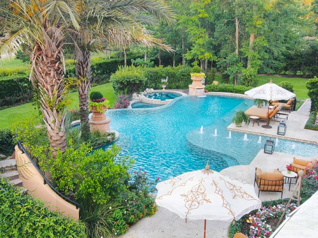 Avery Johnson mansion for sale The Woodlands Spring June 2013 swimming pool