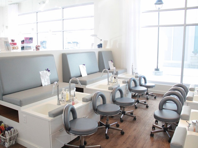 Luxe nail salon trailblazer begins national domination in for A luxe beauty salon