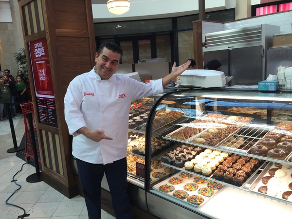 Big Crowd Waits For Hours To Meet Cake Boss At Kiosk Bakery Opening