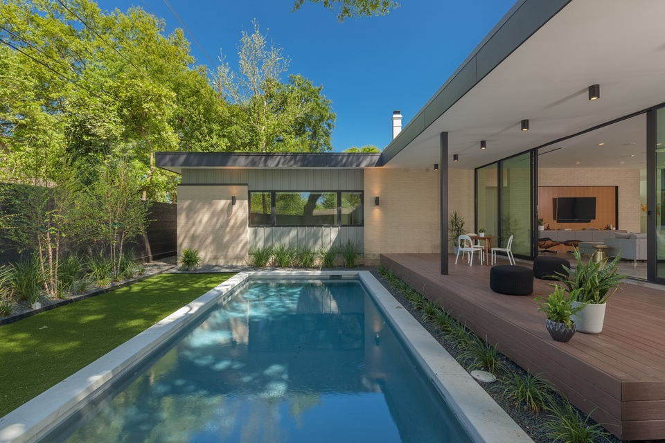 AIA Houston Home Tour 1914 Ebony studioMET: Pavilion Haus, swimming pool