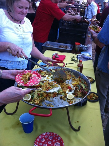 austin photo: news_lynn_paella fest