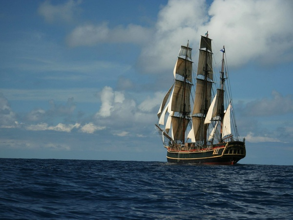 HMS Bounty, ship, sinks, ocean, October 2012