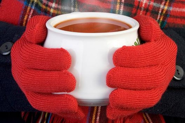 News_soup_tomato soup_red gloves